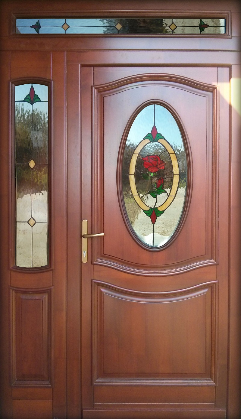 Ólomüveg beépített rózsás ajtó